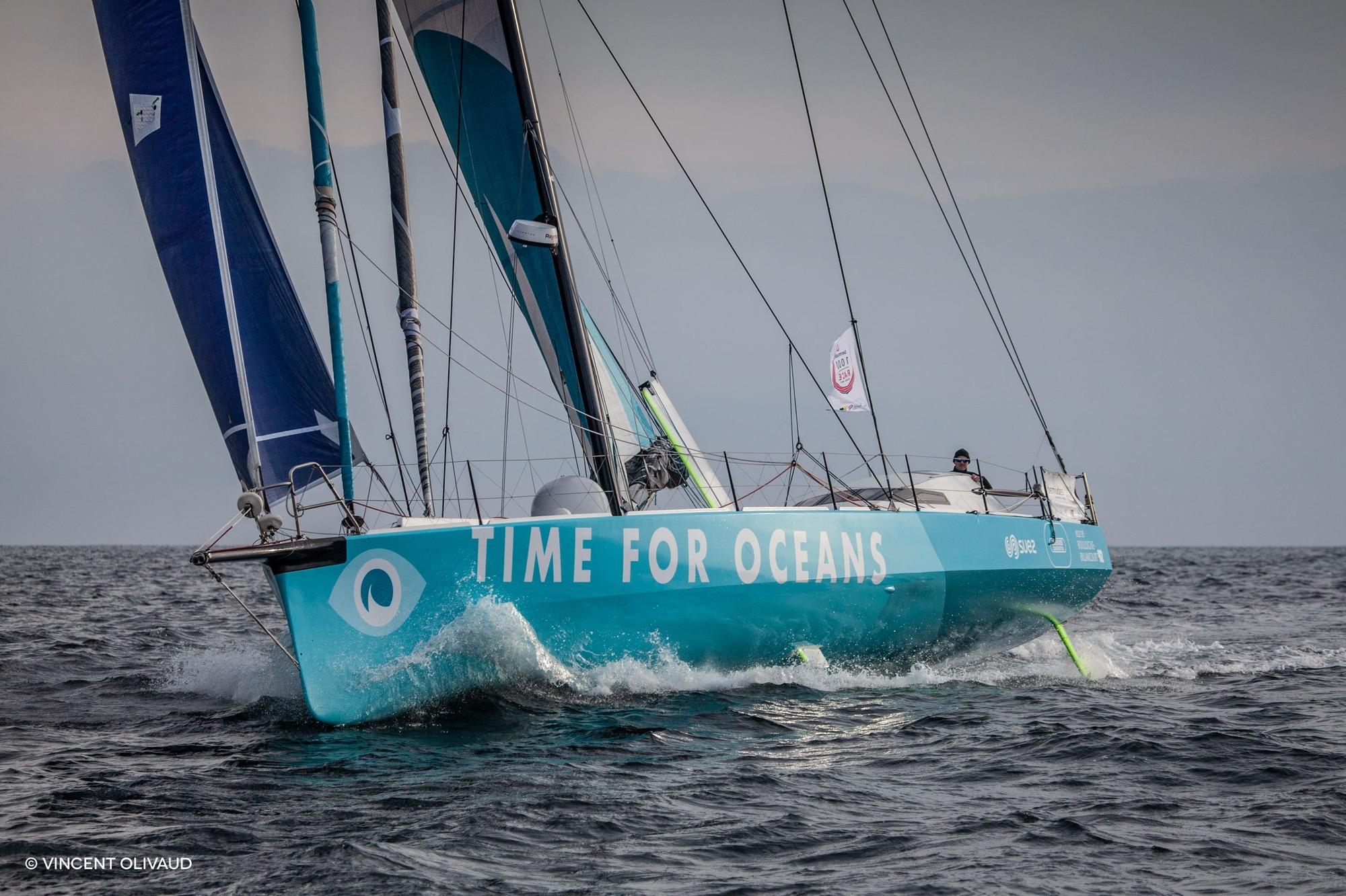 Stéphane Le Diraison dans le petit temps sur l'Armen Race avec Time For Oceans